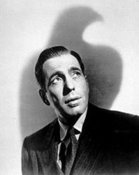 Humphrey Bogart als Privatdetektiv Sam Spade