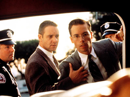"Russell Crowe und Guy Pearce in ""L.A. Confidential"""