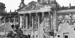 Der zerstörte Reichstag 1945